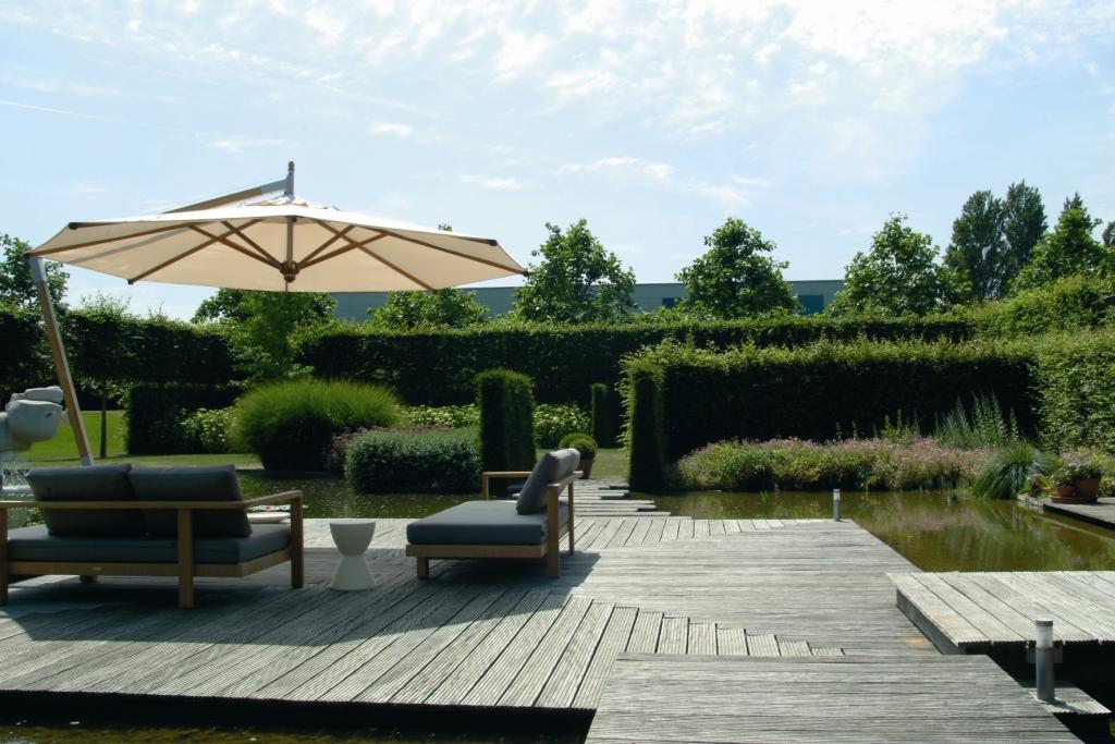 Terrasse en bois avec salon extérieur